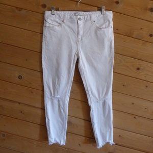 Free People White Ripped Knee Hem Skinny Jeans 31